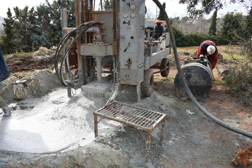 Αχαρνές - Γεώτρηση νερού