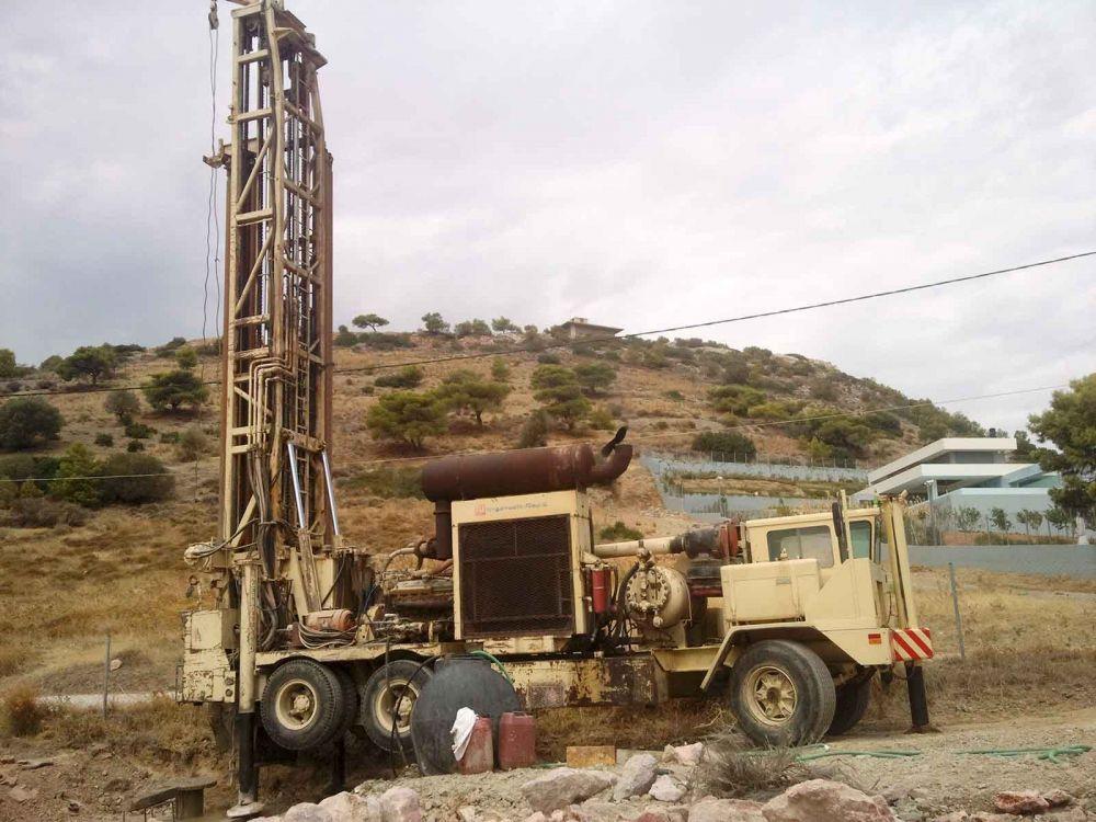 Καλύβια - Γεώτρηση νερού