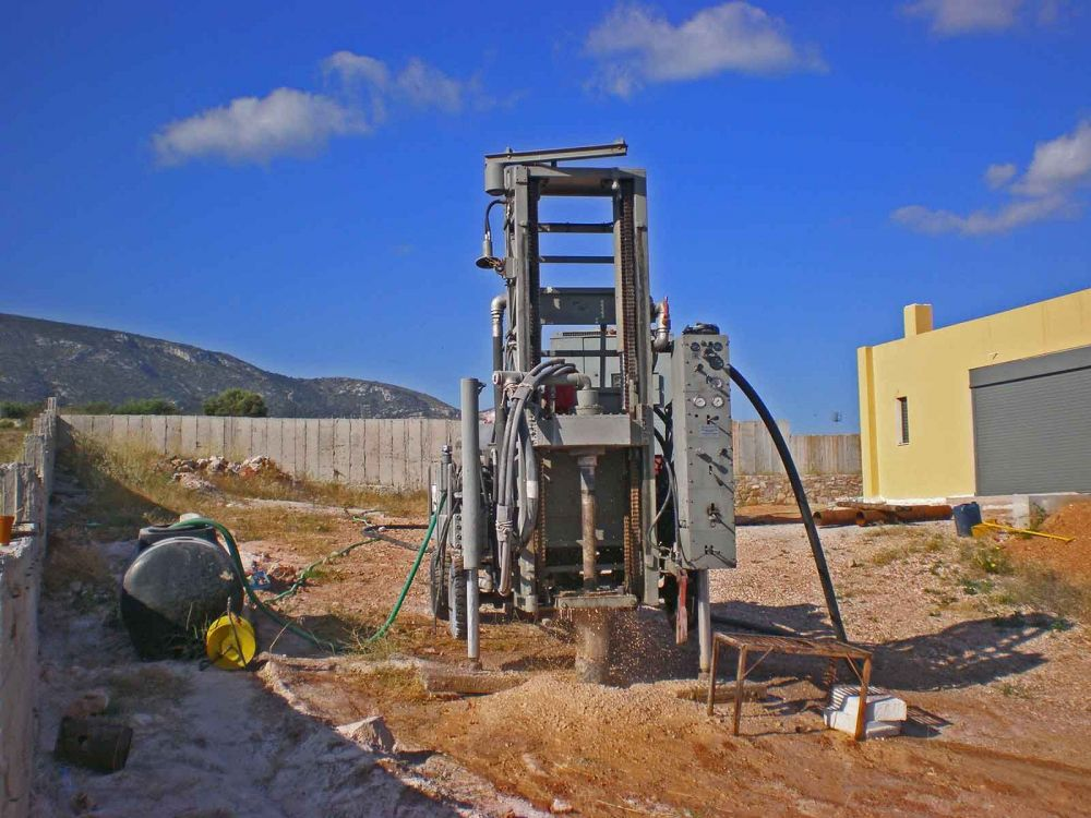 Πεντέλη - Γεώτρηση νερού