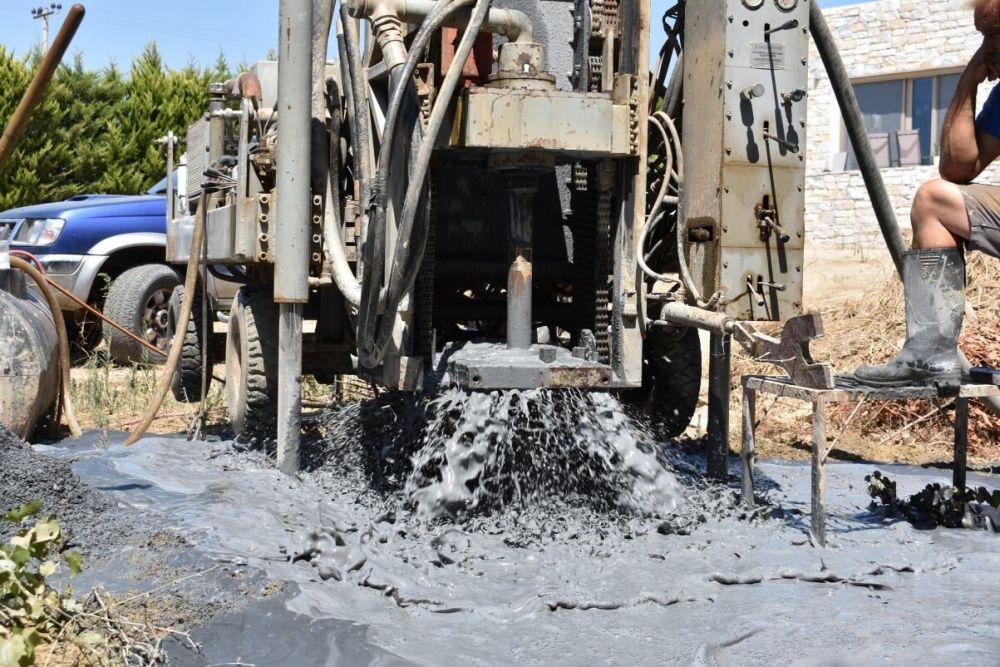 Βάρκιζα - Γεώτρηση νερού